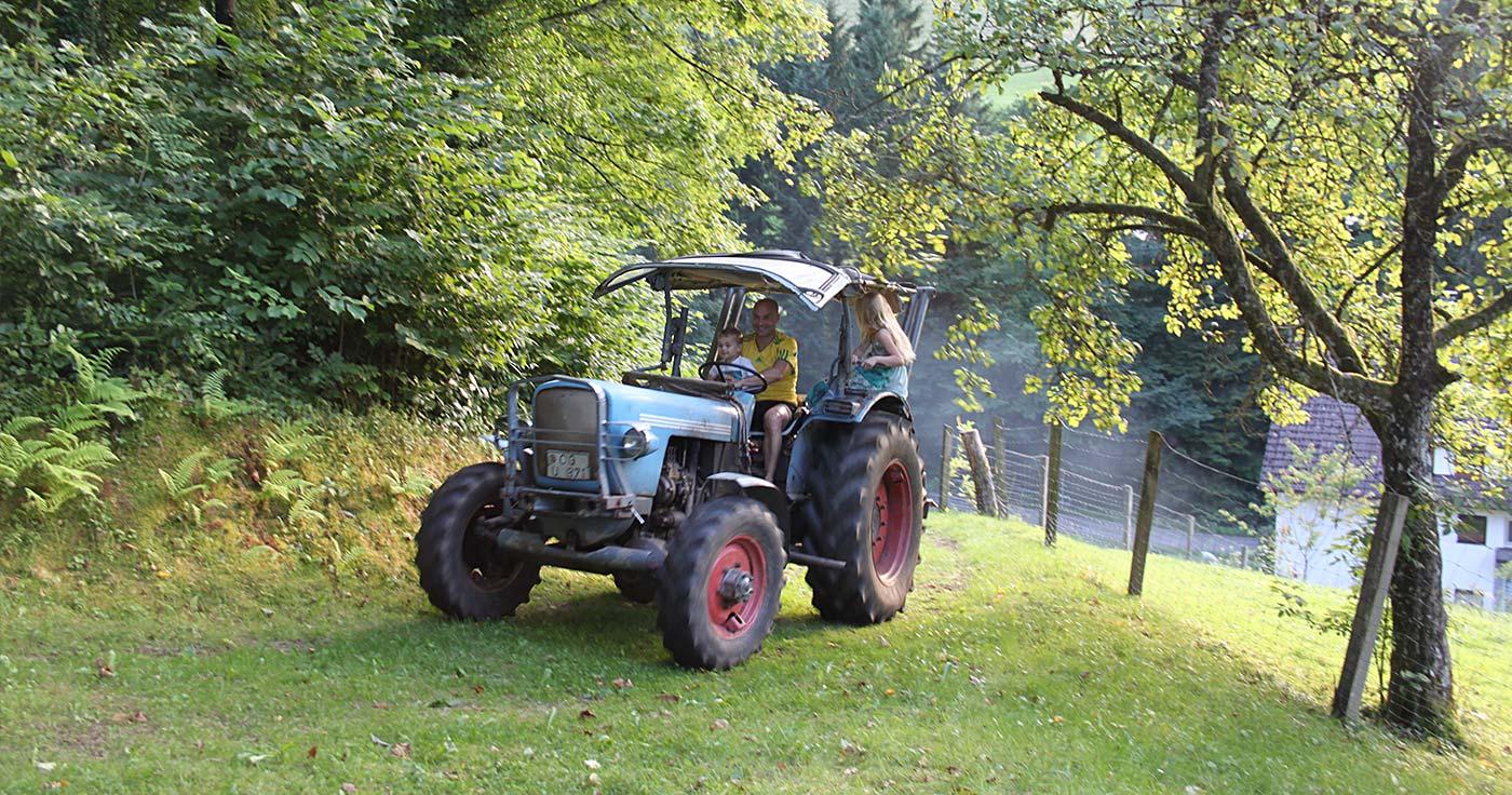 Traktorfahren - ein Riesenspaß!
