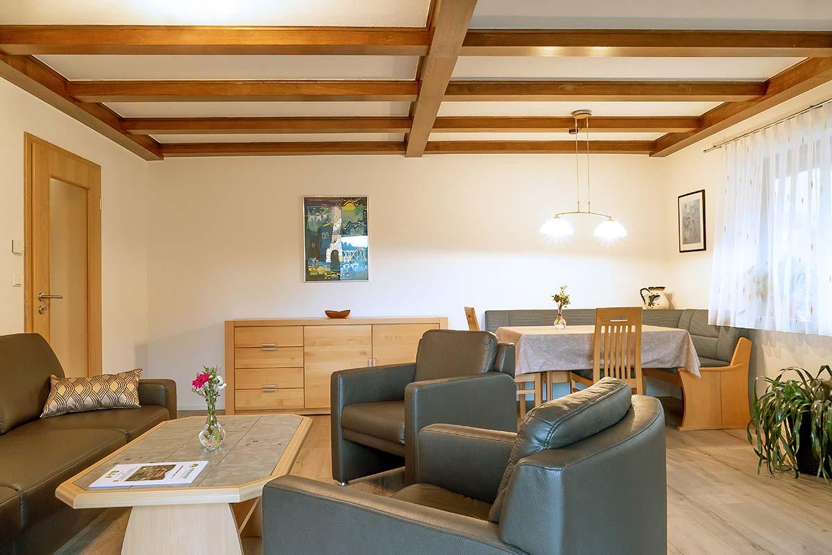 Leibgedinghaus 1. OG - Wohnzimmer mit Esstisch