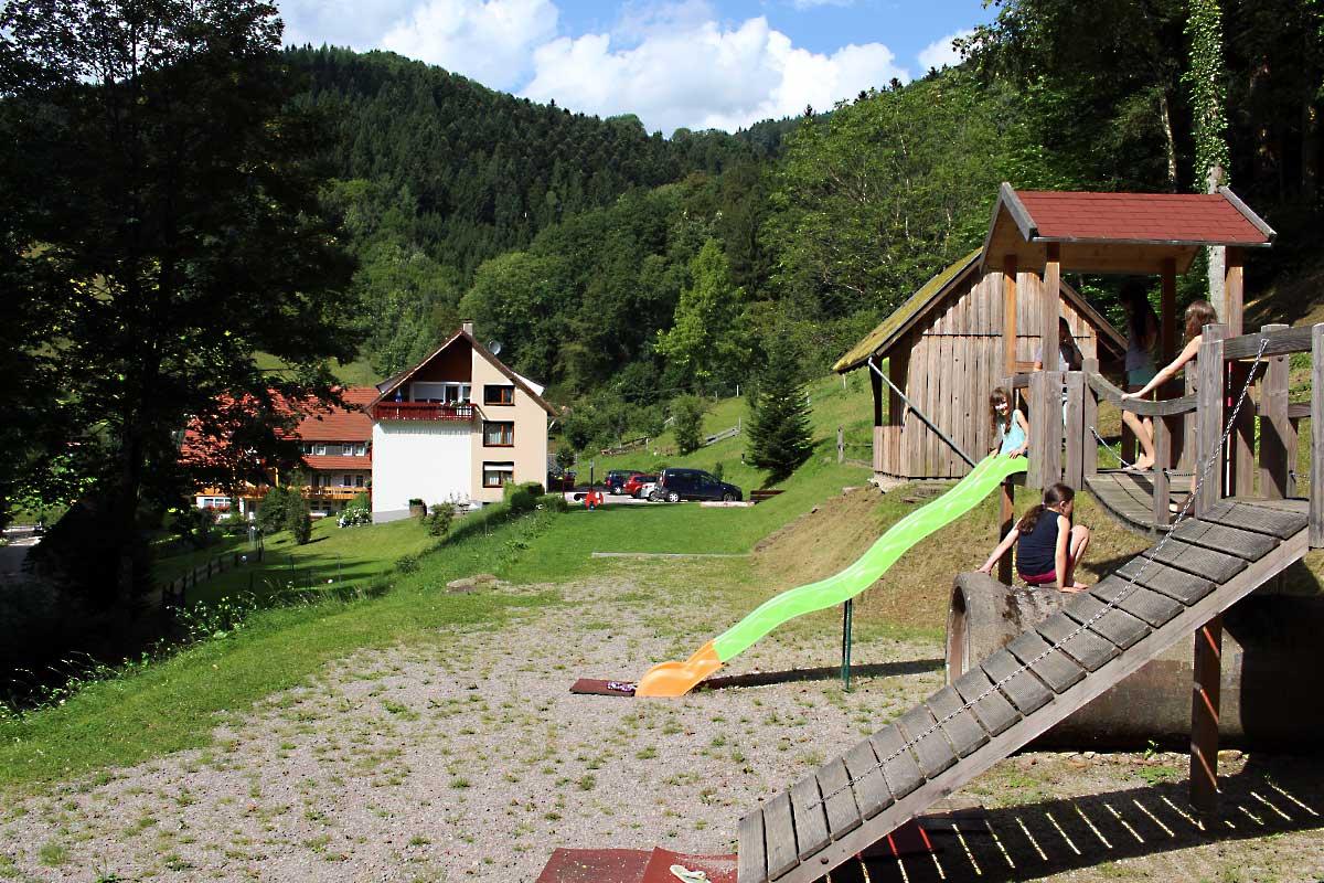 Abenteuerspielplatz auf dem Hoferpeterhof